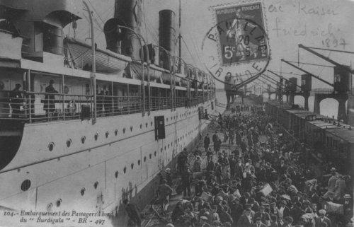 Passengers embarking the S/S Burdigala ca. 1913